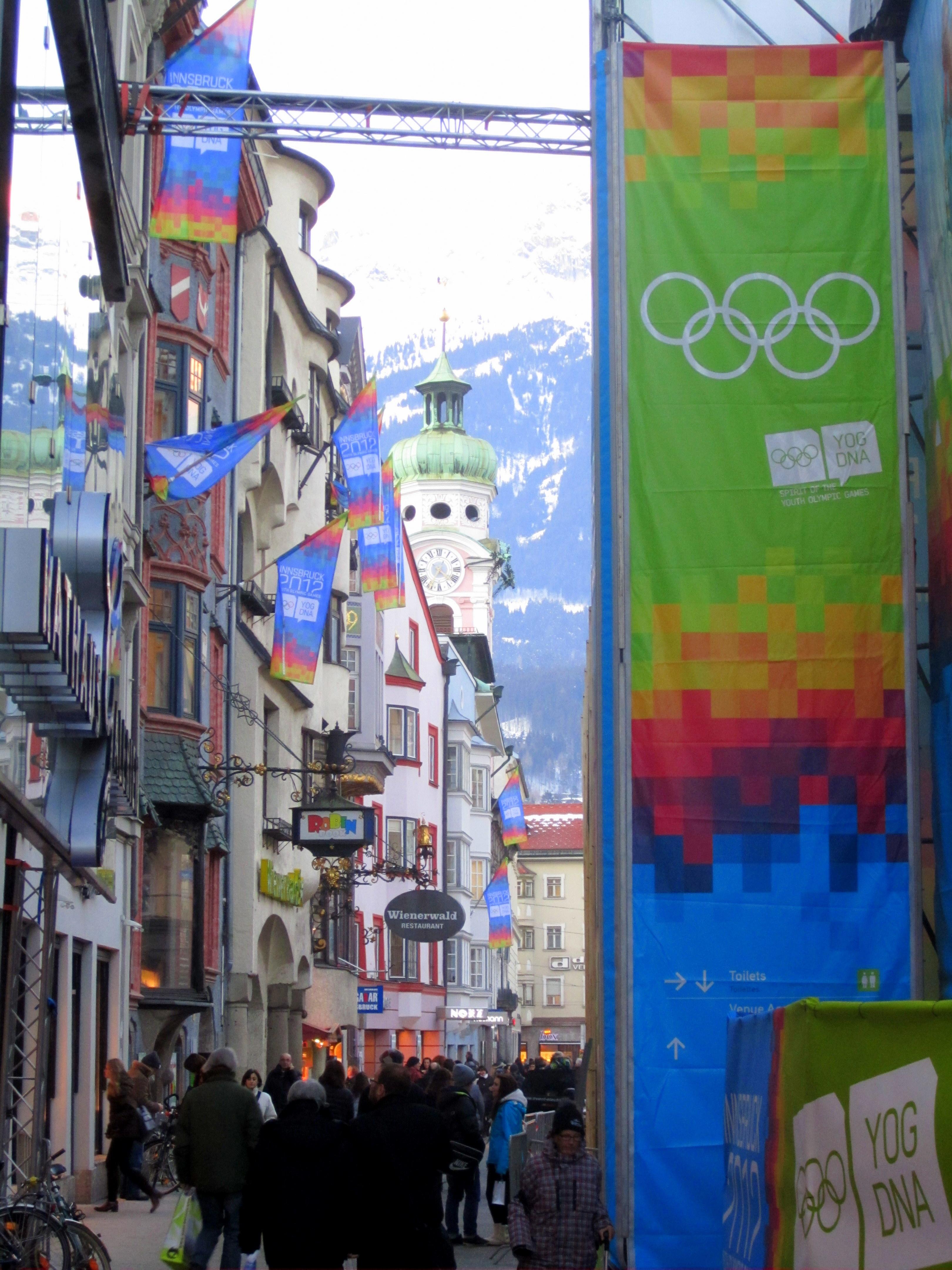 https://fasterskier.com/wp-content/blogs.dir/1/files/2012/01/Maria-Theresien-Strasse-Innsbruck.jpg
