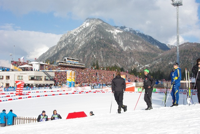 https://fasterskier.com/wp-content/blogs.dir/1/files/2012/03/01-coaches-on-hill.jpg