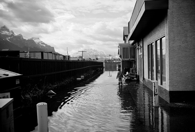 https://fasterskier.com/wp-content/blogs.dir/1/files/2013/06/canmore-flood-2013-aftermath.jpg