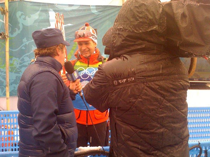 https://fasterskier.com/wp-content/blogs.dir/1/files/2013/11/mixed-zone-bjoerndalen.jpg