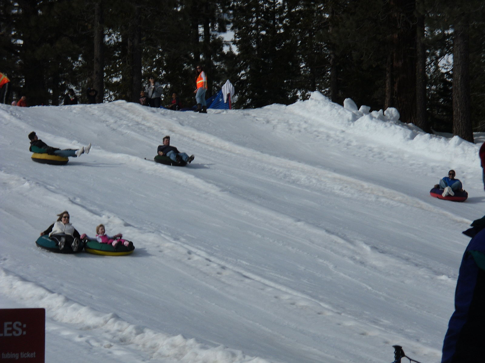 https://fasterskier.com/wp-content/blogs.dir/1/files/2014/04/Snow_tubing_3.jpg