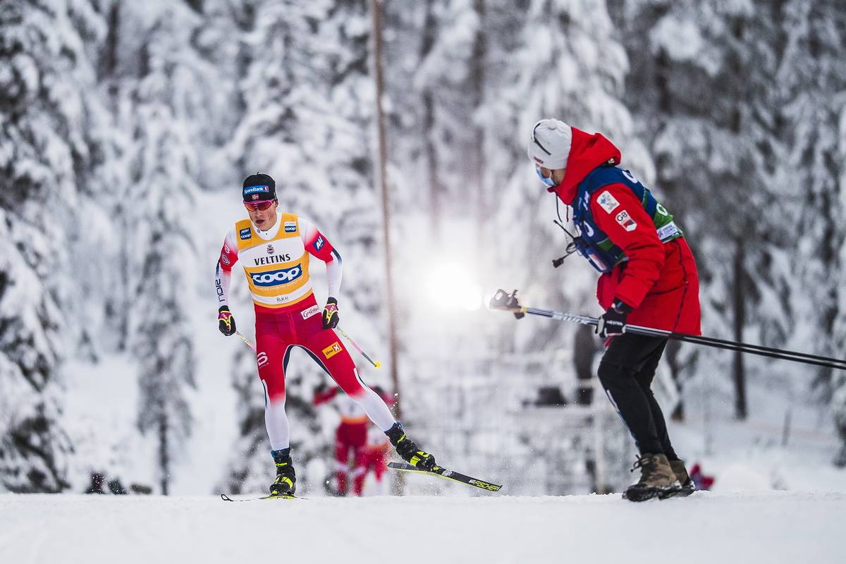 With a Razzle Dazzle Hop-Skate Klæbo Wins Ruka 15 k Pursuit: Gus Schumacher 32nd for U.S.