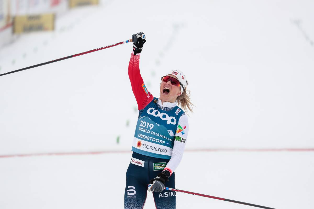 Johaug Breaks Away for the Skiathlon Win; Diggins 15th