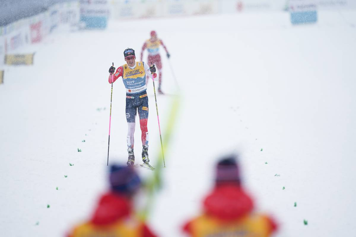 Heavy Snow and a Heavy Klæbo Hop-Skate: Norway Beats Russia for Men's Relay Win