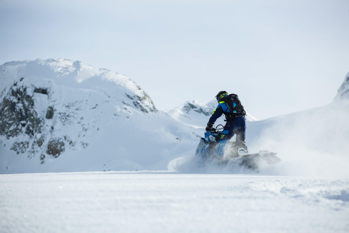 How to Choose Snowmobile Tracks the Right Way